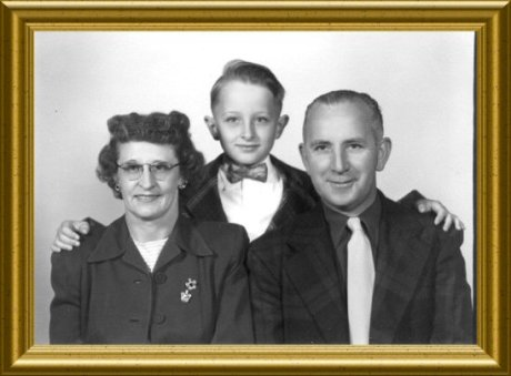 family-dot-lawson-george-1952-framed
