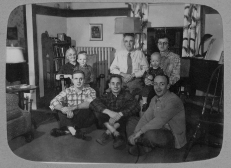 family-portedithdoddchamberlainwaltrobertfrancisandgchildrenearly1950s