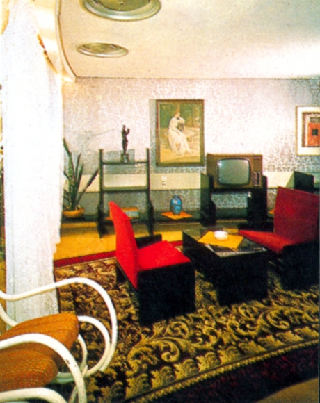 Another view of one of the original hotel rooms - The old television set receives it's signal from the tower!