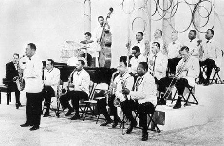 The Duke Ellington Orchestra with Mr. Ellington on keys - 1962 (Image www.steinonvine.com)