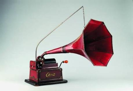 Another beautiful Edison phonograph