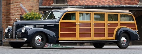 How many surfers can you fit in this Buick 8 door wagon?  (Image: www.rthimage.com)