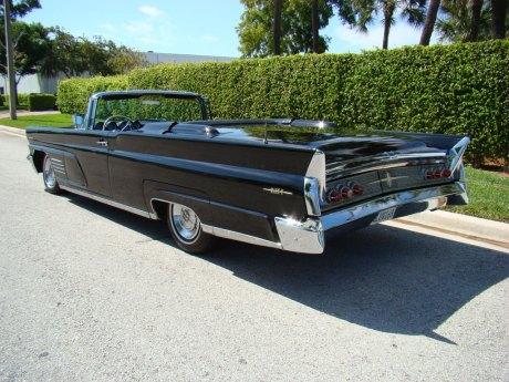 1960-Lincoln-Conv-Blk-003