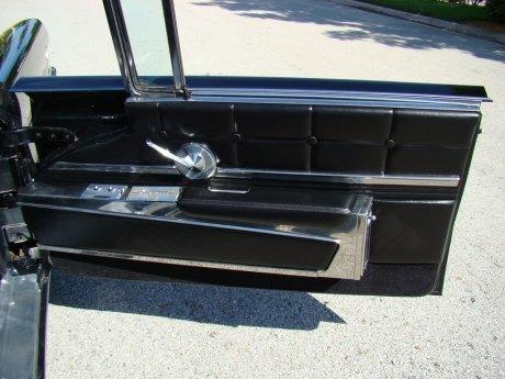 1960-Lincoln-Conv-Blk-023