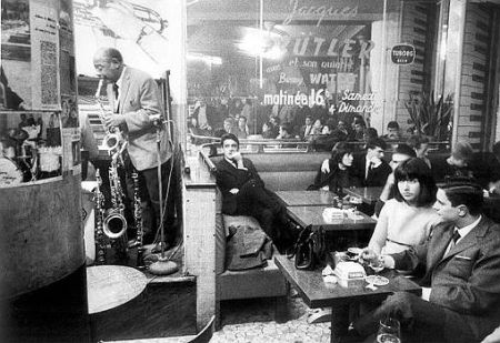 Benny Waters plays in Paris Cafe - Photo by Harold Chapman