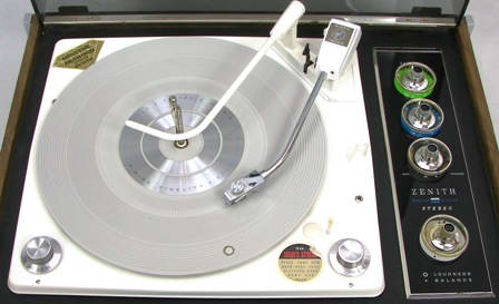 Zenith_recordplayer_004