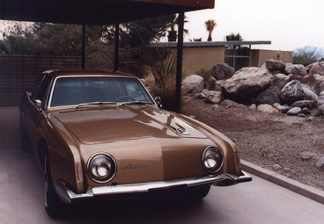 The house was equipt with a custom Studebaker Avanti painted brown to match the house.