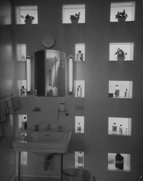 Loewy's bathroom