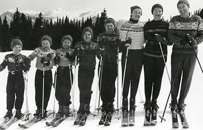 skiallen_family_skiing_400_wid