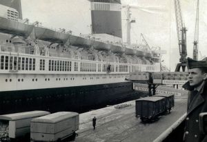 SS United States in Bremen